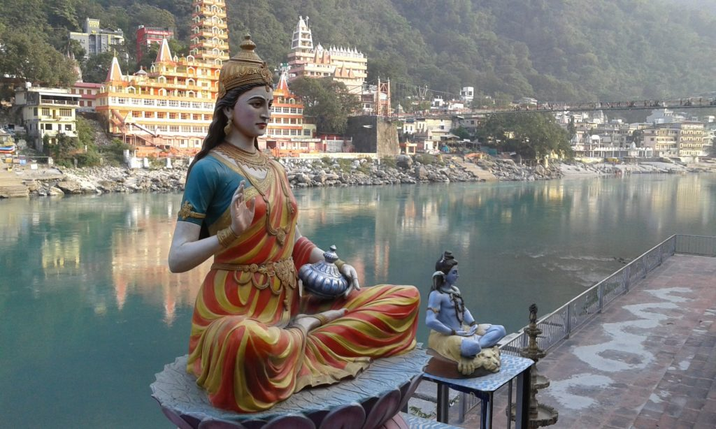 This image has an empty alt attribute; its file name is Rishikesh-Yoga-1024x614.jpg